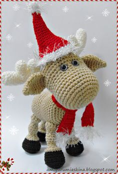 Amigurumi reindeer - just the big red nose is missing Crochet Santa, Crochet Amigurumi, Holiday Crochet, Knit Or Crochet, Cute Crochet, Amigurumi Patterns, Crochet Crafts, Crochet Dolls, Yarn Crafts