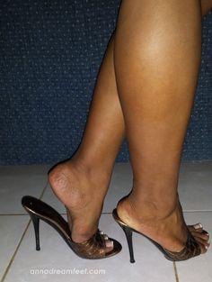 Sexy mules and legs Open Toe High Heels, Platform High Heels, Black High Heels, Gorgeous Feet, Beautiful Legs, Sexy Heels, Stiletto Heels, Women's Feet, Mules Shoes