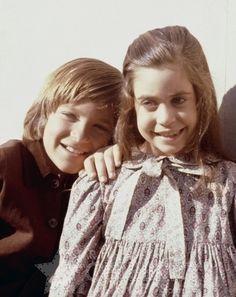 James Cooper (Jason Bateman) and Cassandra Cooper (Missy Francis)