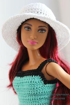 Barbie crotchet dress Knitting Dolls Clothes, Crochet Barbie Clothes, Doll Clothes Barbie, Barbie Dress, Crotchet Dress, Barbie Doll Accessories, Barbie Patterns, Barbie Friends, Barbie World