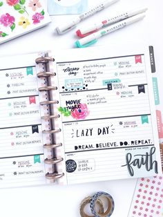 Rose Gold Horizontal layout by mambi Design Team member Michelle Weissert that puts the 'FUN' in FUNctional (! Planner Layout, Planner Ideas, Planner Board, Digital Bullet Journal, Mini Happy Planner, Planner Decorating, Erin Condren Life Planner, Planner Organization, Planner Stickers