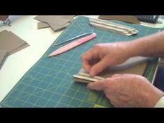 Shows a different way of binding in a mini album How To Make Scrapbook, Mini Scrapbook Albums, Mini Albums, Altered Book Art, Mini Album Tutorial, Cool Books, Mini Photo, Album Book, Cartonnage