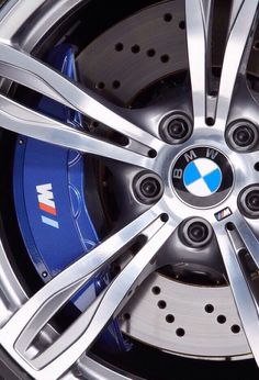 BMW is definitely one of the most loved car brands in the world. Less probably that there is a person in the world who would refuse such a beautiful BMW. Bmw Z4, Suv Bmw, Bmw Cars, Bmw Sport, Sport Cars, Lamborghini, Ferrari, Bugatti, Bmw Autos