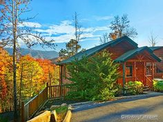 "Pets welcome at ""Pointe of View"" - 2 Bedroom Gatlinburg cabin"