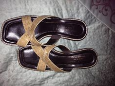 BROWN SANDALS SALE 15.00 SHALL02@HOTMAIL.COM