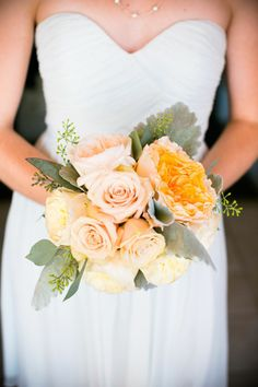 Delicate Wedding Bridal Bouquets to Make You Wow. To see more: http://www.modwedding.com/2014/03/28/delicate-wedding-bridal-bouquets-to-make-you-wow/  #wedding #weddings #bouquet Photo: Callaway Gable