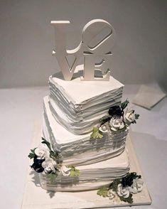 Cakes! So many amazingly different wedding cakes - whats your style? - [ ] #brisbaneweddingphotographer #elopement #elopementphotography #brisbanephotographer #toowoombawedding #sunshinecoastwedding #goldcoastphotographer #weddinginspo #rusticwedding #industrialwedding #destinationwedding #elegantwedding #countrywedding #beachwedding #samesexwedding #diywedding #madlydeeply #kombi #church #churchweddings #realbrides #weddingvibes #diyweddings #diybrides #modernbrides #cakes #weddingcake…
