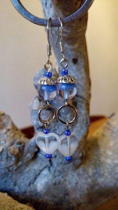 Blauw witte oorbellen.
