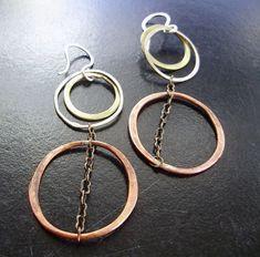 Delisa Designs - Three metal loopy dangles with chain Metal Jewelry Handmade, Diy Jewelry, Jewelry Design, Jewelry Making, Jewelry Ideas, Chain Messages, Copper Bracelet, Dangles, Jewels