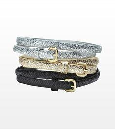 Dynamite; Trio de ceintures minces à paillettes; 19,90 $ Trend: thin metallic belts