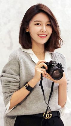 Sooyoung - in 2020 Korean Short Hair, Korean Haircut, Short Hair Cuts, Korean Girl, Medium Hair Styles, Short Hair Styles, Sooyoung Snsd, Girl's Generation, Chica Fantasy