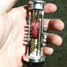 how to make lightsaber crystal chamber Lightsaber Parts, Lightsaber Design, Custom Lightsaber, Lightsaber Hilt, Star Warrs, Luke Skywalker Lightsaber, Sabre Laser, Star Wars Light Saber, Star Wars Rpg