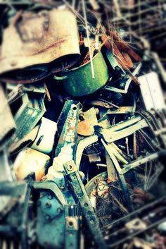 Salvage Room - Slawek Brodzicki
