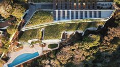 $18m Noosa 'eco lair' wins top landscape award - realestate.com.au Building Facade, Architecture Awards, Landscape Architecture, Hummingbird House, Solar Panels For Home, Private Garden, Garden Bridge