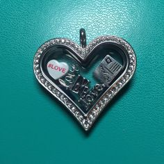 This is my new favorite locket. Isn't it pretty? TELL ME I'M PRETTY...I mean, IT'S PRETTY. #tagsforlikes #noseriouslytellmeiampretty #love #O2 #OrigamiOwl #locket
