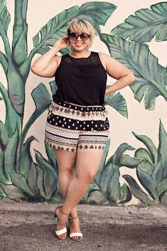 Moda Plus-Size-Shortinho - Damen Mode Cheap Plus Size Clothing, Plus Size Dresses, Plus Size Outfits, Style Kylie Jenner, Plus Size Pullover, Look Plus Size, Plus Size Style, Mode Plus, Plus Size Shorts