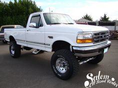 "A 1997 Ford F-350 with a BDS Suspension 4"" lift, Dick Cepek 315/75/16 tires and Ultra 164 wheels. www.salemoffroadcenter.com"