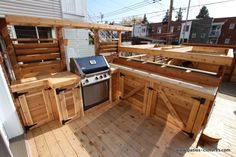 Basic Kitchen Area Concepts For Inside or Outside Kitchen areas – Outdoor Kitchen Designs Outdoor Kitchen Grill, Outdoor Grill Station, Outdoor Kitchen Countertops, Bbq Kitchen, Basic Kitchen, Stone Kitchen, Outdoor Kitchen Design, Outdoor Grilling, Deck With Pergola
