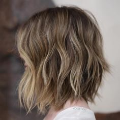 Choppy+Brown+Bob+With+Sun-Kissed+Highlights