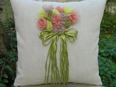 Beautiful cushions with a very nice interior decor. Comments: LiveInternet - Russian Service Online Diaries