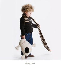 ROGER THE PIRATE #oeufbegood #oeufnyc #Imaginarium #alpaca #fairtrade #fallwinter #kids #baby #clothes #hat #winter #cozy #kids #baby #pirate #skull