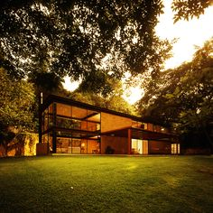 Built by Augusto Fernández Mas (K+A Diseño) in Cuernavaca, Mexico with date 2006. Images by Fernando Cordero. This single-family residence is located on a steeped lot in front of federal government lands and aside a river; it e...