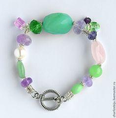 """Купить Браслет """"Aqua Onyx"""" с аква-ониксом и аметистами - мятный, браслет из камней, зелено-сиреневый"""