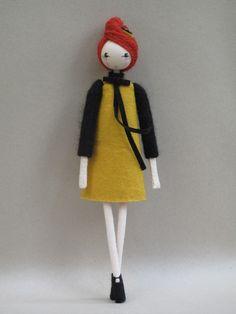 Sarah Strachan dolls