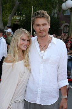 """One Tree Hill"" actor Chad Michael Murray and his longtime love Kenzie Dalton called it quits in 2013 after a seven-year engagement. Chad Michael Murray, Lucky Girl, Celebrity Couples, Friends Family, Actors & Actresses, Hot Guys, It Cast, Celebs, Engagement"
