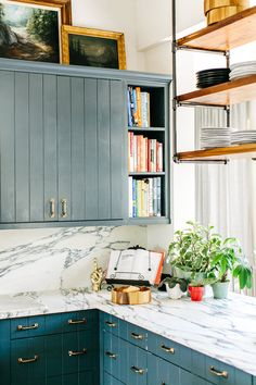 Brooklyn Deckers amazing marble and blue kitchen - she designed it herself!!