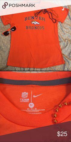 Denver Broncos T-shirt Super nice Denver Broncos T-shirt by Nike. Nice 41bf2c83b