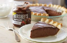 HERSHEY SPREADS CHOCOLATE PIE Hershey's Spread used in this delicious chocolate pie #crowdtap and #SpreadPossibilities