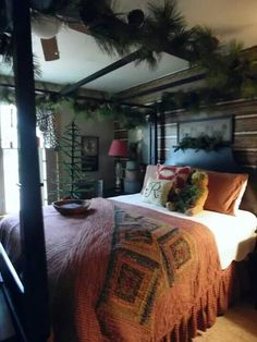 Beautiful prim bedroom at Christmas time. Beautiful prim bedroom at Christmas time. Cabin Christmas, Christmas Bedroom, Rustic Christmas, Primitive Christmas, Christmas Decor, Primitive Bedroom, Primitive Homes, Primitive Country, Primitive Antiques