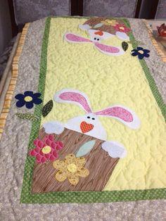Trilho de mesa para Páscoa