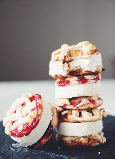 vegan pie cookie ice cream sandwiches_hot for food Summer Treats, Summer Desserts, Vegan Desserts, Dessert Recipes, Vegan Sweets, Healthier Desserts, Apple Ice Cream, Lemon Ice Cream, Cream Pie