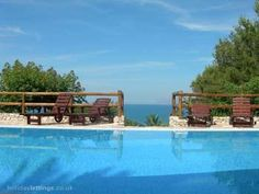 5 bedroom villa in Trapani to rent from £1300 pw, with a private pool. Also with solarium, balcony/terrace and TV.