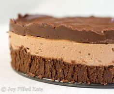 Get yourself a Keto dessert which will not throw you back in your Ketogenic meal plan. Enjoy these 27 low carb keto no bake cheesecake recipes that are sure to amaze! 6 Inch Chocolate Cheesecake Recipe, Low Carb Cheesecake, Cheesecake Tarts, Turtle Cheesecake, Apple Cheesecake, Keto Desserts, Dessert Recipes, Keto Recipes, Health Desserts