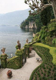 Japanese Garden Design Villa del Balbianello Lenno - Anime Line Nature Aesthetic, Travel Aesthetic, The Places Youll Go, Places To See, Beautiful World, Beautiful Places, Beautiful Beautiful, House Beautiful, Exterior