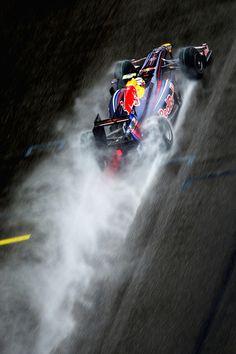 Formula 1 - Red Bull iPhone 4S wallpaper