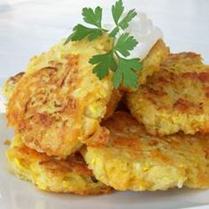 Yellow Squash Patties Recipe - I added some garlic, slivered jalapeño, and lots of pepper for zing.  I skipped the salt soak and just let everything sit for a long time.  Yummy!!