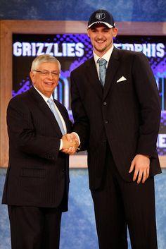 Kevin Love Memphis Grizzlies NBA Draft David Stern #NBA #Draft Marc Gasol, Kevin Love, Nba Draft, Memphis Grizzlies, Basketball, David, Netball