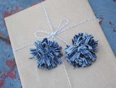 Denim Pom Poms from old jeans! I'm making those today!
