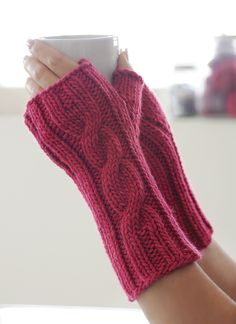 A quick and easy pair of mitts using only one hank of Worsted Hand Dyes. This pattern is available as a free download.