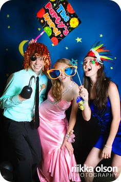 Awesome Photo Booth ideas!