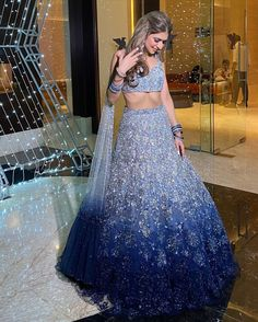#BackInTrend: 35+ Shimmery Lehengas We Spotted These Real Brides In! | ShaadiSaga Party Wear Indian Dresses, Designer Party Wear Dresses, Indian Gowns Dresses, Indian Bridal Outfits, Indian Bridal Fashion, Dress Indian Style, Indian Fashion Dresses, Indian Designer Outfits, Party Wear Lehenga