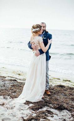 #brautkleid Ein Ja am Meer: Eine Strandhochzeit auf Fehmarn | Hochzeitsblog - The Little Wedding Corner