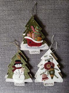 Felt Christmas Decorations, Christmas Ornaments To Make, Christmas Projects, Felt Crafts, Handmade Christmas, Holiday Crafts, Christmas Crafts, Felt Projects, Christmas Applique