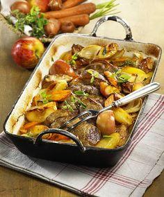 Unser beliebtes Rezept für Schweinenacken mit Backhaus-Kartoffeln und mehr als 55.000 weitere kostenlose Rezepte auf LECKER.de.