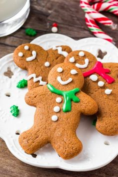Gingerbreads: These soft gingerbread cookies are a must for the holidays. They're perfectly spiced with soft centers and the perfect gingerbread taste. The best gingerbread men I've ever tried! Soft Gingerbread Cookie Recipe, Gingerbread Man Cookies, Christmas Cookies, Gingerbread Men, Christmas Baking, No Bake Cookies, Oatmeal Cookies, Chocolate Chip Cookies, Shortbread Cookies