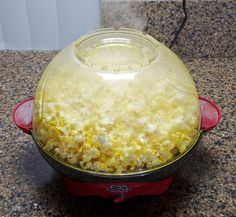 How to Make Real Movie Theater Popcorn at Home I just made this and it's FABULOUS! And I'm a popcorn snob! Homemade Popcorn, Flavored Popcorn, Butter Popcorn, Popcorn Recipes, Popcorn Maker, Kid Recipes, Stir Crazy Popcorn, How To Make Popcorn, West Bend Stir Crazy